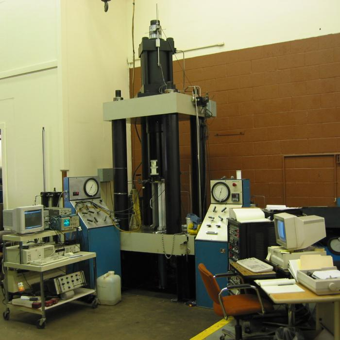 Triaxial Press